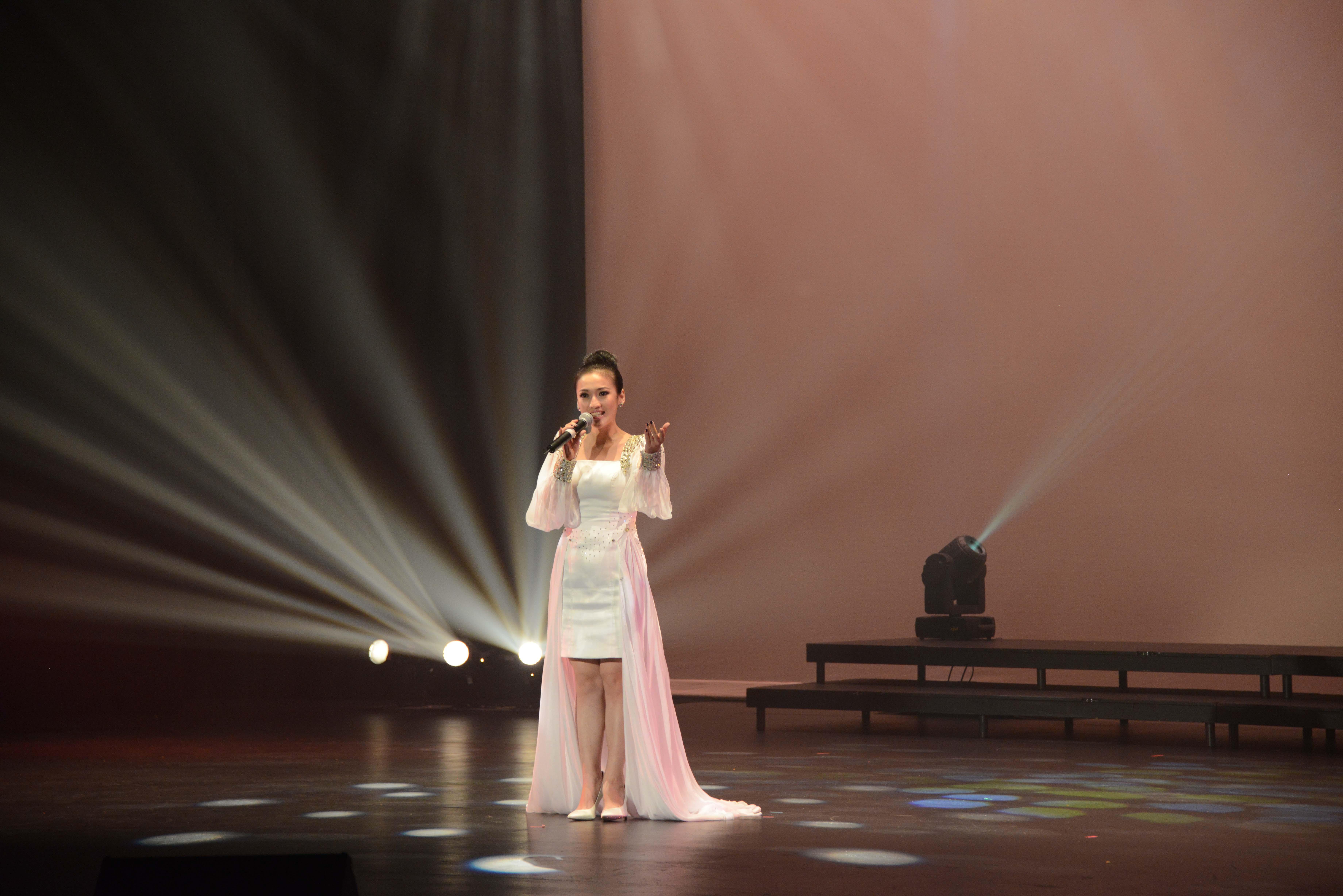 2014 September 18th Performance Image 478