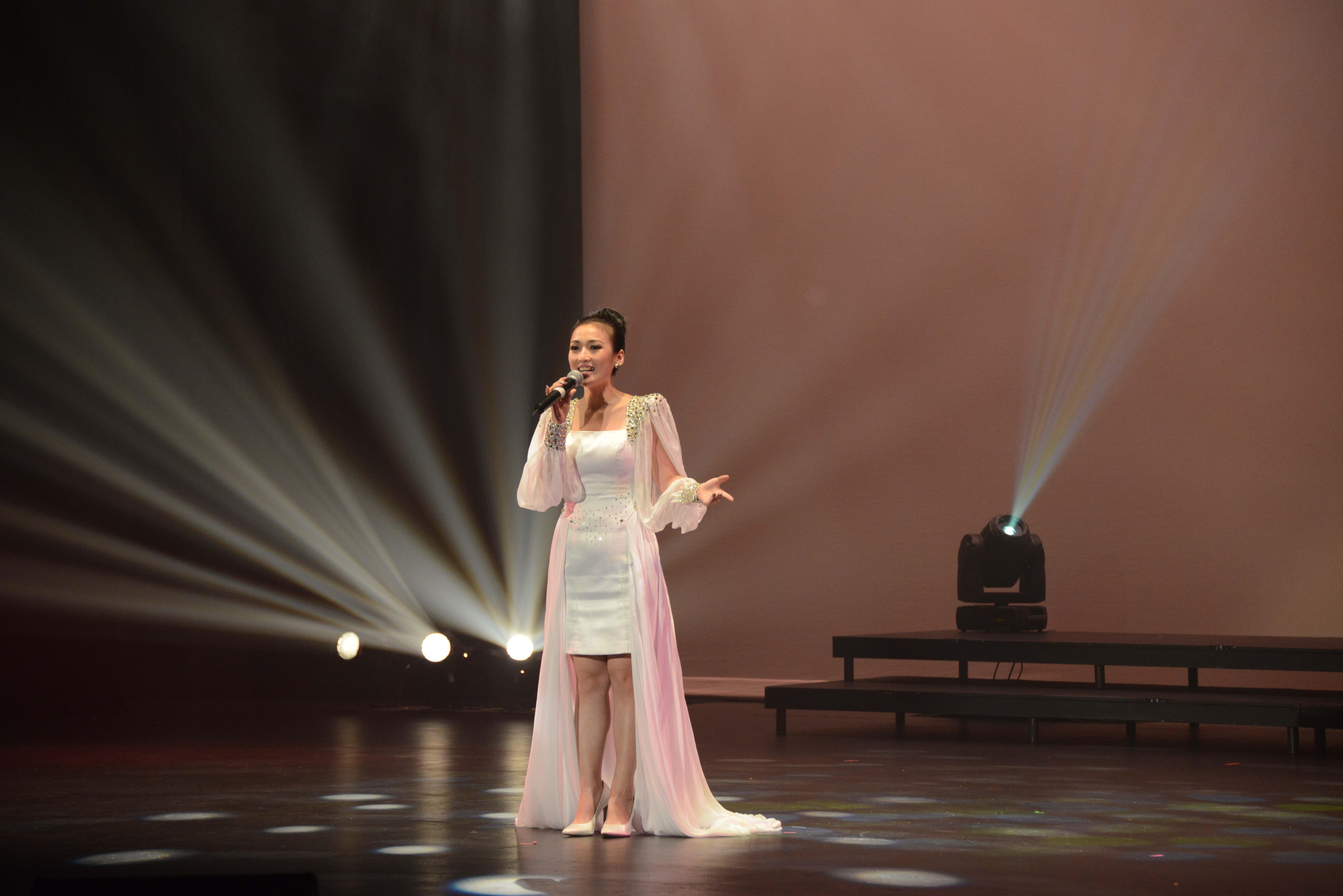 2014 September 18th Performance Image 479